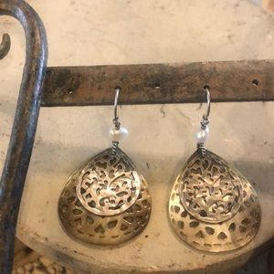Silpada Jewelry - Gorgeous Mother of Pearl Carved Earrings